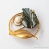 K12金-Curtman-翡翠の葉に月光真珠アンティーク・ブローチ(斜め)