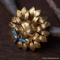 Wells-K14金-花と七宝焼ミツバチのヴィンテージ・ブローチ