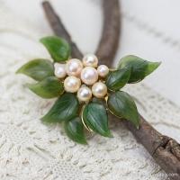 Swoboda スワボダ-天然石-翡翠と真珠のコサージュ・ブローチ(メイン画像)
