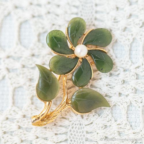 Swoboda スワボダ-天然石-翡翠と真珠の野の花ヴィンテージ・ブローチ